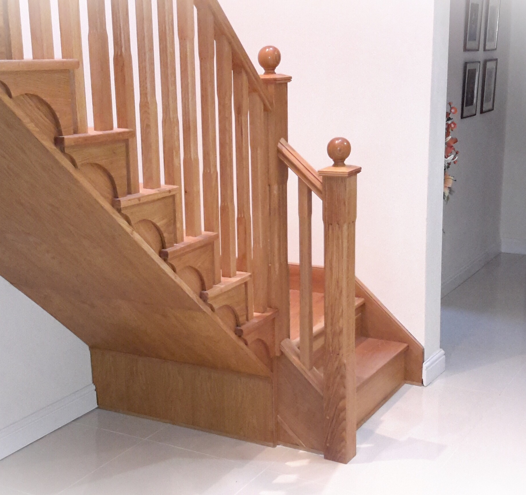 Oak stop chamfered spindles